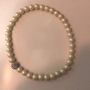 Stella and dots kids pearl necklace